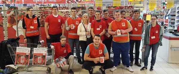 Wolontariat - zbiórka w Auchan